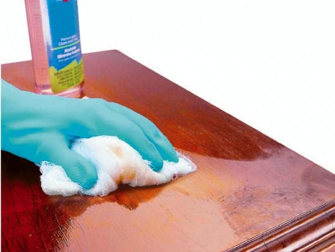 как избавиться от пятен на деревянном столе